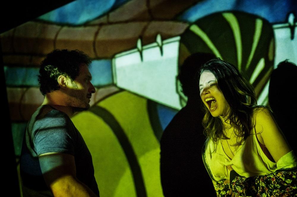 Claudio Santamaria et Ilenia Pastorelli dans Jeeg Robot