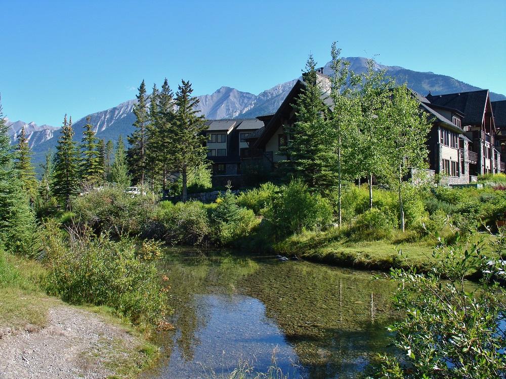 rivière bow à canmore au canada