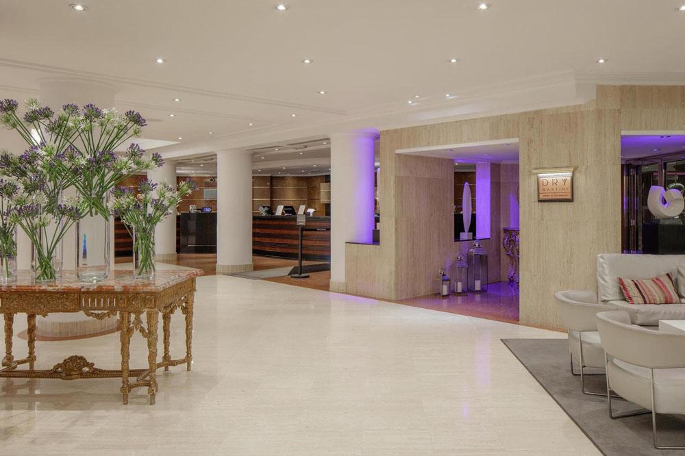 lobby Melia White House Hotel