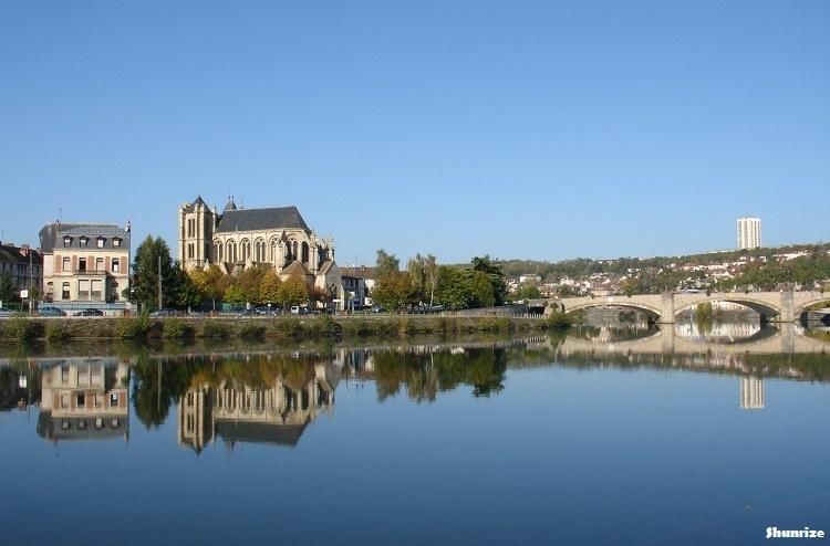 vue église et pont de Montereau-Fault-Yonne