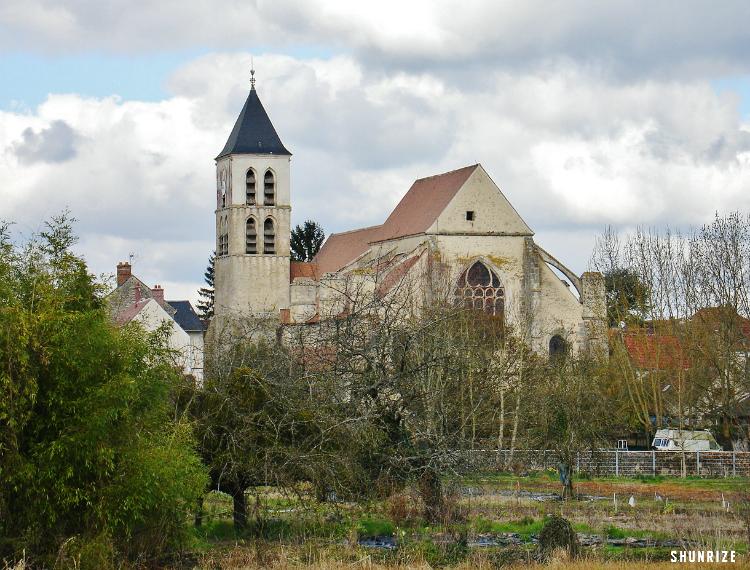 l'Église Saint-Pierre à Cerny